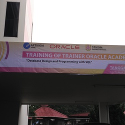 Pelatihan Oracle Training Of Trainer Oracle Academy 2017